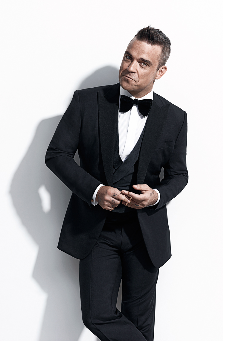 120531RobbieWilliams130-3crop.jpg